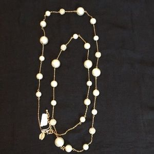 Spring Street Long pearl necklace